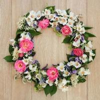guirnalda de flores de verano foto