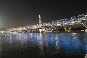 puente de hélice en marina bay en singapur foto