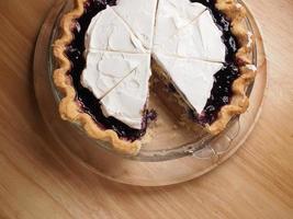 Blueberry custard cream pie