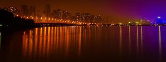 suzhou, china - puente y lago foto