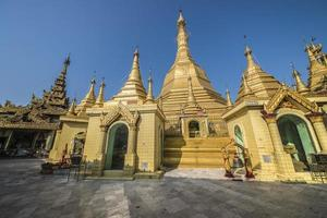 Sule Pagoda in Yangon photo