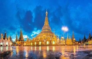 shwedagon no crepúsculo