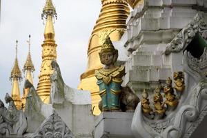 Pagoda Schwedagon, el templo budista más importante de Birmania
