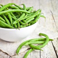 green string beans in a bowl