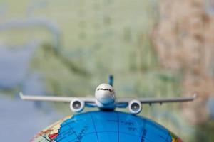 viajar por el mundo con avión foto