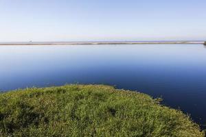 blauw lagunelandschap