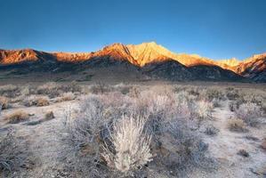 alba del paesaggio di montagna
