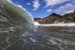 rompiendo el surf foto