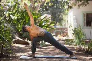 Yoga en la naturaleza. foto