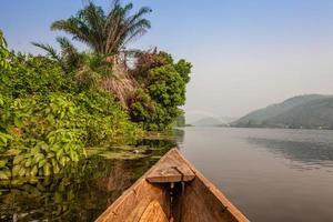 passeio de canoa na áfrica