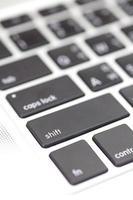 botón de primer plano del teclado en la computadora portátil