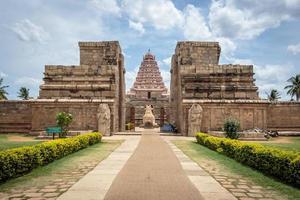 antiguo templo hindú en el sur de la india
