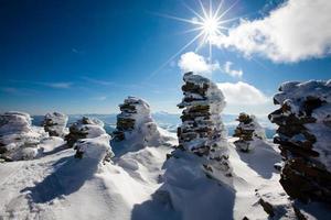 montañas de los Cárpatos de invierno
