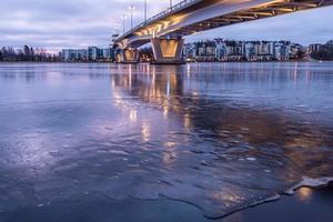 paisaje de lago de invierno foto