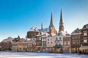 praça principal de Delft no inverno