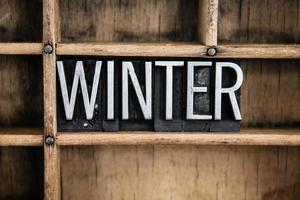 winter concept metalen boekdruk woord in de lade
