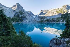 Jade Lake morning photo