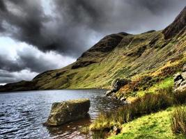 Stickn Tarn y Harrison Stickle Mountain