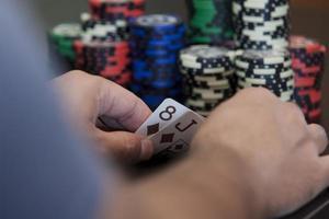J8 winning hand photo