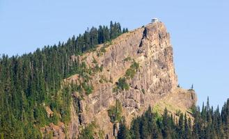 estructura histórica mirador de fuego de roca alta cresta diente de sierra washington foto