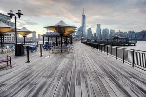 vista de Nueva York desde el paseo marítimo