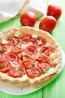 Pie with cherry tomatoes