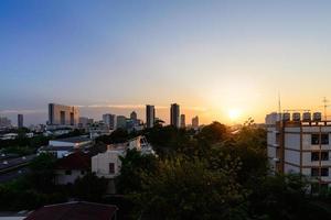 paisagem urbana de Banguecoque ao pôr do sol.