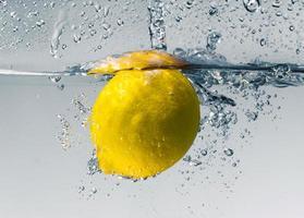 salpicadura de limón foto