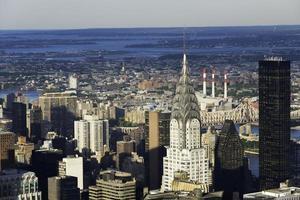 Edificio Chrysler y rascacielos de la ciudad de Nueva York foto