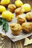 magdalenas caseras de limón foto
