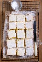 cuadrados picantes de limón