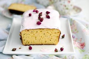 lemon rose pound cake with icing