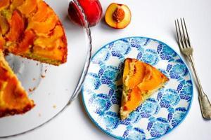 postre de tarta de durazno foto