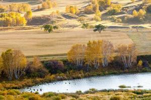 El color del otoño en Hongshan, provincia de Neimengu, China