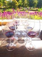 Vasos de vino. foto