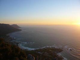puesta de sol desde la montaña de la mesa foto