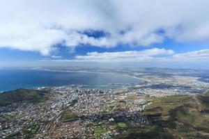 Vista aérea da cidade do cabo da montanha da mesa