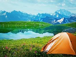 acampar en las montañas
