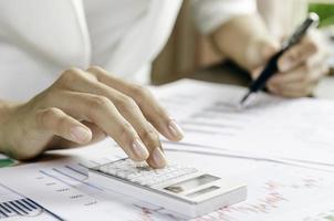 Evaluating documents