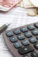 eurobiljetten en boekhoudkundig document close-up