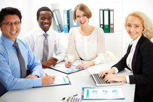 pessoas de negócios trabalhando juntos.
