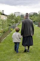 abuela con niño foto