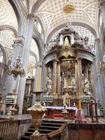 altar de la catedral de puebla foto