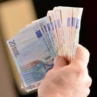 dinero en euros foto