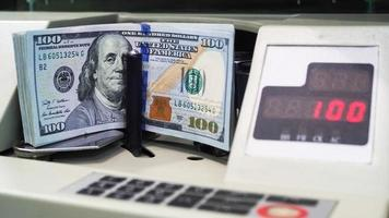 Money counting machines photo