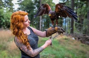 la dama con el halcón harris foto