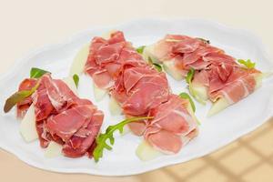 Ham and Delicious sliced melon