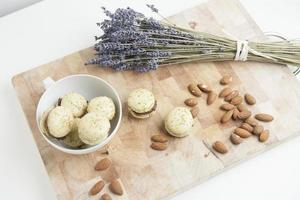 Home-made macarons with lavender and almonds