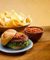 hamburguesa con salsa foto