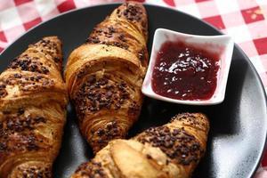 delicioso croissant foto